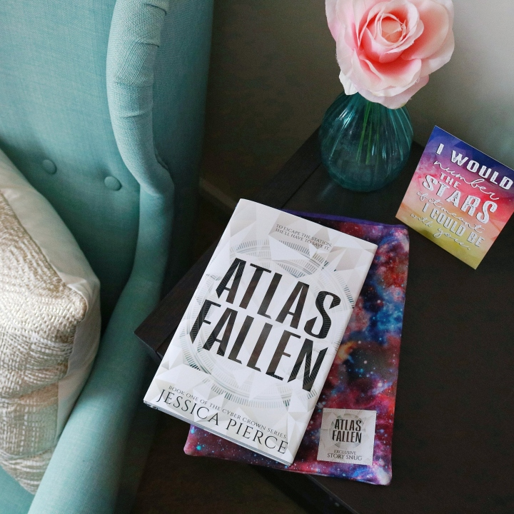 BOOK REVIEW: ATLAS FALLEN (CYBER CROWN #1) BY JESSICA PIERCE